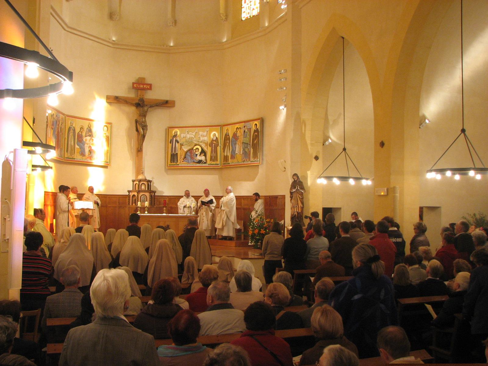 Messe d'inauguration de la chapelle, après restauration, le 4 octobre 2008