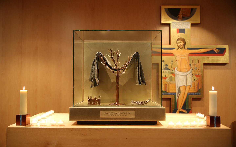 Reliquaire et St Damien, vu de plus loin (photo FN)